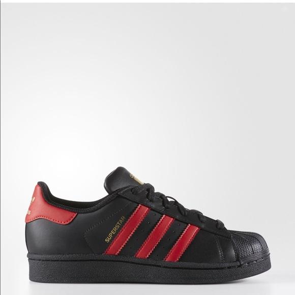 Adidas Superstar Shoes sz. 6 big kids(women 7-7.5)